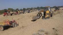 Sand workers, protest